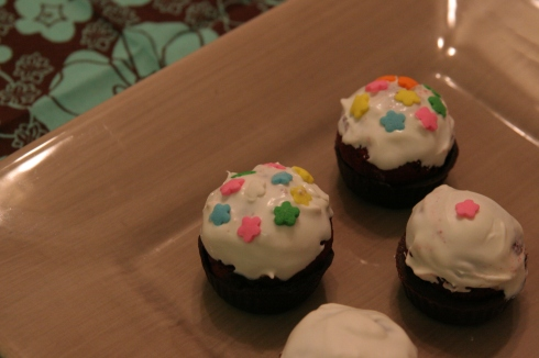 cake ball cupcakes